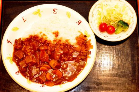 ビーフカレー(サラダ付)