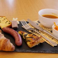 【 トレーラーハウス朝食のご案内! 】